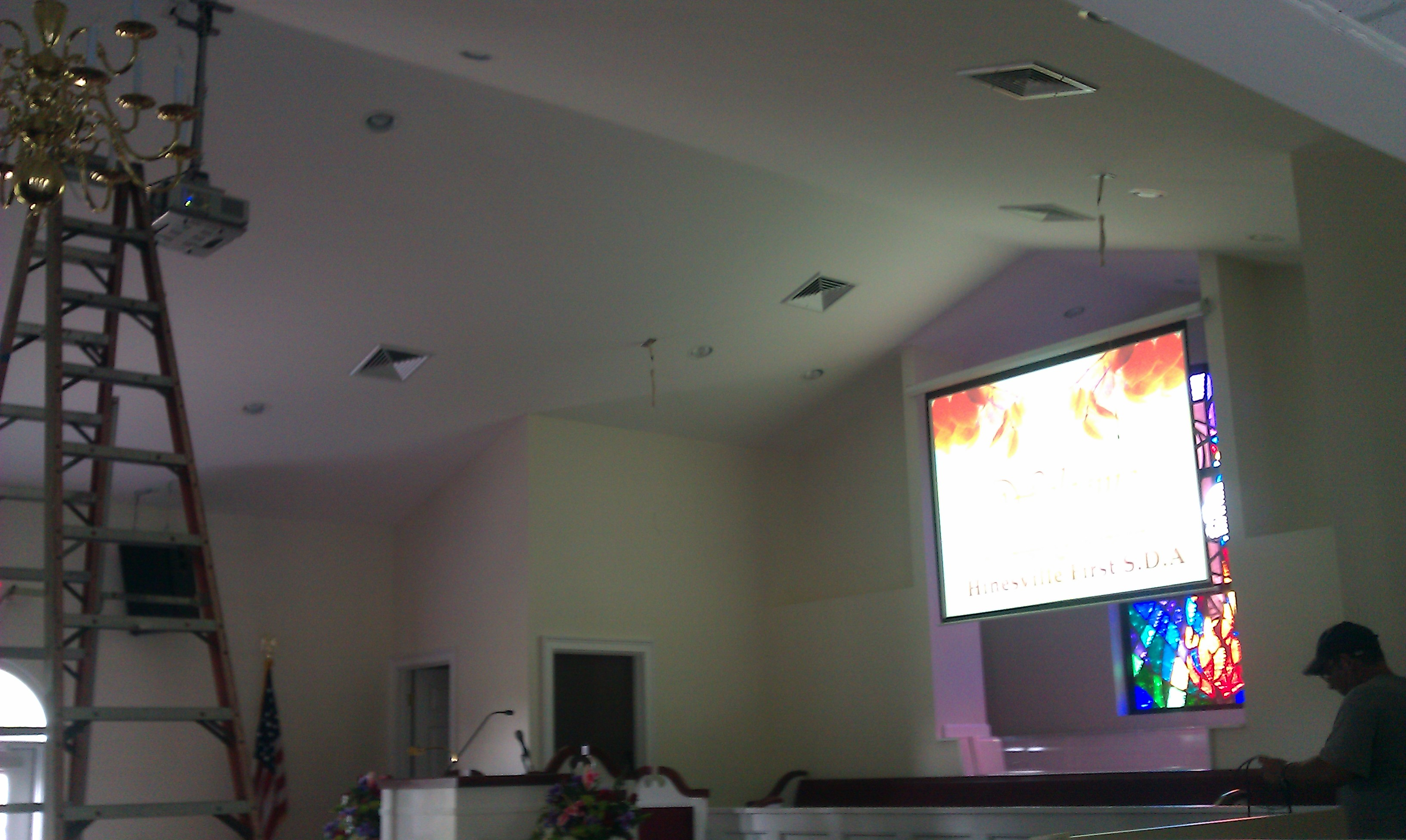 Hinesville SDA Projector and Screen
